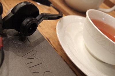 おいしい紅茶とSTAX SR-001MK2 FinePixF10 1/17sec F2.8 8mm ISO200