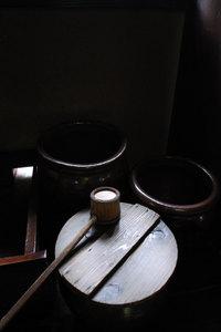 次太夫堀民家園・水瓶と柄杓 GR DIGITAL F2.8 1/13sec ISO154 -1EV