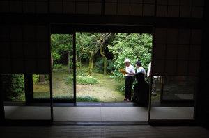 猪俣邸庭園・室内から GR DIGITAL F2.4 1/52sec ISO64 -0.3EV