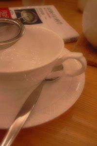 神保町の紅茶専門喫茶にて