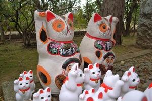 猪の蒙古と書かれた招き猫